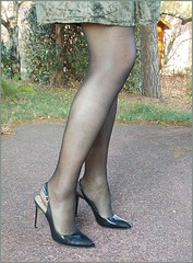 2018 - 01 - 10 - Karoll  - 009 (Karoll le bihan) Tags: escarpins shoes stilettos heels chaussures pumps schuhe stöckelschuh pantyhose highheel collants bas strumpfhosen talonshauts highheels stockings tights