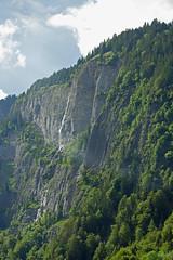 2014.06.20.151 Retour vers Interlaken (alainmichot93 (Bonjour à tous - Hello everyone)) Tags: 2014 suisse schweiz svizzera europe cantondeberne grindelwald alpesbernoises montagne nuages clouds nubes nuvens wolken nuvole cascade forêt