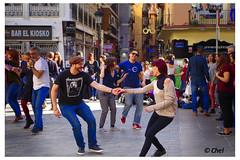 Swing (chelocatala) Tags: baile swing valencia plaza callejero clandestino