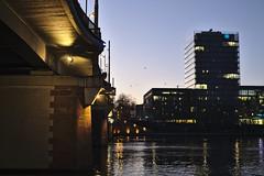 Blue Hour :: Frankfurt am Main (tmertens0) Tags: frankfurt hessen deutschland europa europe germany stadt city winter morgen morning blue hour blaue stunde sunrise sonnenaufgang kalt cold pentaxm 50 14 main flus river