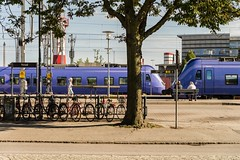 Open station (Nodding Pig) Tags: ystad skåne sweden scandinavia railway station train 2017 classx61 electric multipleunit passengers bike bicycle 201707137184101