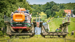 The wide-gauge train trip. (Alexander Dülks) Tags: track masury masuria warmia masuren tourist ermland mazury schiff canal schiene kanu canoe boot kanal boat 2017 ship polen poland ostróda