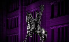 Robert The Bruce, Purple.jpg (___INFINITY___) Tags: 2018 6d aberdeen godoxad360 marischalcollege marischalsquare robertthebruce architect architecture blue building canon canon1740f4 darrenwright dazza1040 eos flash horse infinity light lightpainting night scotland sculpture statue strobist