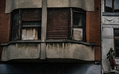 Liege 09.02. 2018 der Erker (glasseyes view) Tags: glasseyesview liège architecture belgium belgien belgique erker outremeuse sculptures