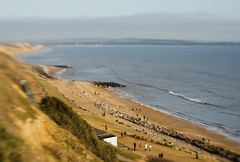 view from the cliifs 16/100x 2018 (sure2talk) Tags: viewfromthecliffs bartononsea bartonbeach beach beachhutsintheblur beachhutscliffs sand sea waves nikond7000 lensbaby lensbabycomposerpro lensbabylove sweet50optic 100shotswithalensbaby 100xthe2018edition 100x2018 image16100 16100x2018 118picturesin201814openandairy