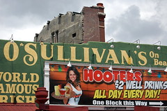 O'Sullivan's (Midnight Believer) Tags: memphistennessee bealestreet osullivans hooters sign signage shelbycounty business streetside advertisement