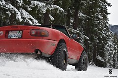 Miata snow drifts. (Paynes.Photography) Tags: miata snowdrifting miatagang mazdamiata snowymountain snow whitetrees