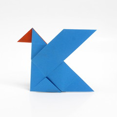 Kotlinconf Logo (origami) (Michał Kosmulski) Tags: origami k bird kotlinconf kotlin conference logo softwaredevelopment programming colorchange colourchange michałkosmulski tantpaper blue orange