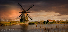 Kinderdijk 2018 (EBoss Fotografie) Tags: kinderdijk sky soe sunlight nederland holland windmill water canon colors clouds landscape outdoors painting river unesco