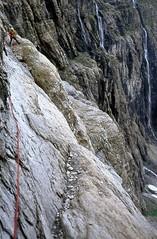 Faire le mur (Daniel Biays) Tags: montagne mountain cirquedegavarnie gavarnie hautespyrénées murdelacascade escalade climbing