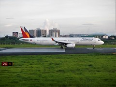 Philippine Airlines (Mark Obusan) Tags: airbus a321 a320 rpc9914 philippine airlines runway 24 rpll mnl takeoff