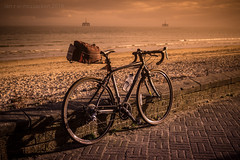 Specialized Sunset (ianrwmccracken) Tags: bicycle aseries specialized sony bike a129 colour tricross fd50mmf18 pink fife scotland a125 canon ianmccracken cokin grad shore filter a6000 coast leven tobacco