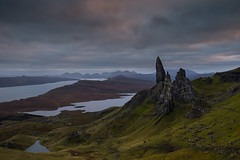 Old Man of Storr just before sunset (Tim&Elisa) Tags: scotland isleofskye landscape nature clouds canon sun sunset portree water oldmanofstorr storr rocks geology mountains lake lochleathan autumn