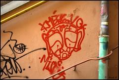 DSC_0569 (Pascal Rey Photographies) Tags: lyon lugdunum digikam digikamusers nikon d60 xrousse croixrousse streetart streetphotography inthestreets murs muros murales fresquesmurales peinturesmurales graffitis graffs graffik graffiti expressionurbaine urbanart urbanphotography peinturesurbaines dada dadaisme surrealiste