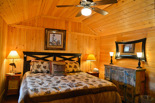 Cherokee Park Ranch Lodging