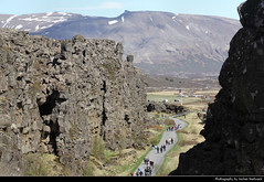 Þingvellir, Iceland (JH_1982) Tags: þingvellir thingvellir 辛格韦德利 シンクヴェトリル 팅크베틀리르 тингведлир national park nationalpark parque nacional parc parco nazionale history historical continental plates parliament althing rift valley north american tectonic plate eurasian mountain mountains rock rocks view viewpoint unesco world heritage site nature landscape scenery scenic iceland ísland island islandia islande islanda islândia 冰岛 アイスランド 아이슬란드 исландия आइसलैण्ड آيسلندا