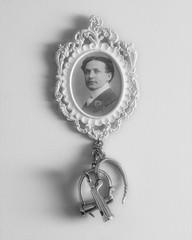 Harry Houdini (jfrancis) Tags: magician huodini handcuffs vintage escape restraints