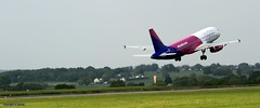 Wizz Air HALWH _MG_0735 (M0JRA) Tags: wizz air halwh luton airports bizz planes flying aircraft clouds sky jets