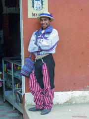Hombre de la etnia Mam con su vestimenta típica en Todos Santos Cuchumatán (Guatemala), 2011. Man of the Mam ethnic group with his typical dress in Todos Santos Cuchumatán (Guatemala), 2011. (Luis Miguel Suárez del Río) Tags: etnia mam todossantos cuchumatan guatemala retrato