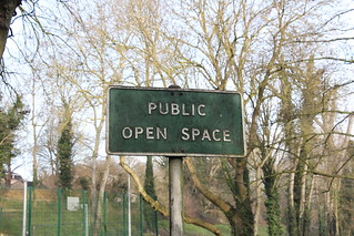 20180130 001 Tring, Brook Street. PUBLIC OPEN SPACE Sign