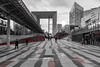red et moderne (Rudy Pilarski) Tags: nikon tamron d7100 2470 rouge road rojo route ladéfense paris moderne modern color couleur colour courbe line ligne city ciudad cityscape panorama ville red monochrome people perspective personne
