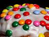 Macro Monday  #speckled - 2.Versuch (J.Weyerhäuser) Tags: macromonday speckled hmm minimm cake berliner farbe macro