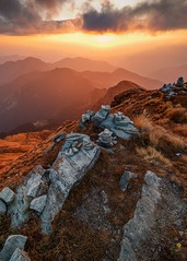 An evening to remember (Praveen Purohit) Tags: photography nature himalayas travel india uttarakhand landscape landscapes golden light goldenlight wideangle divine chandrashila tungnath rocks vertical grass yellow stones clouds mountains layers evening han th