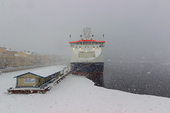 Try the Baltic snow storm! - Попробуй балтийский снежный шторм! (Valery Parshin) Tags: russia saintpetersburg canoneos600d valeryparshin river ice ship snow stpetersburg pier winter