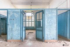 Pensionnat V (lelargla) Tags: france urbex urban exploration decay abandonné abandoned canon