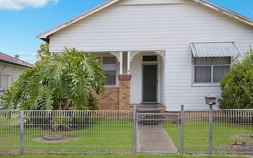 18 Bourke St, Adamstown NSW 2289