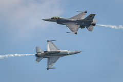 Two F-16 crossing (BP Chua) Tags: f16 singapore rsaf rsaf50 military fighterjet aeroplane plane airplane aircraft aerial display aviation pilot airshow airforce canon 1dx 400mm