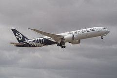 Air New Zealand | B787 | ZK-NZM (Anthony Kernich Photo) Tags: airnewzealand anz boeing boeing787 boeing7879 dreamliner b789 airplane aircraft airplanepicture airplanephotograph airplanephoto adelaide adelaideairport closeup zoom longlens plane aviation jet olympusem10 olympus olympusomd commercialaviation planespotting planespot aeroplane flight flying airline airliner kadl kpad adl airport raw ypad livery star 787 7879 widebody zknzm