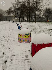 Colori nel bianco. Parco Martesana. Milano (diegoavanzi) Tags: milano milan italia italy lombardia lombardy neve snow marzo march sony hx300 bridge naviglio martesana canal naviglilombardi