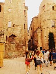 Barcelonenando (Bambola 2012) Tags: catalonia catalunya katalonija barcelona barrigòtic summer estate ljeto stone pietra kamen architecture architettura arhitektura arquitectura