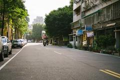 Morning in Da'an (Mushi Kid) Tags: daan taipei taiwan morning green street streetphotography urban moped apartments asia nikon d750