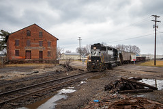 Rundown but Not Out (Wheelnrail) Tags: emd gp382 high hood locomotive gritty industrial run down loco train trains railroad rail road railway norfolk southern panhandle columbus district ohio local l55 brick building flood track steel