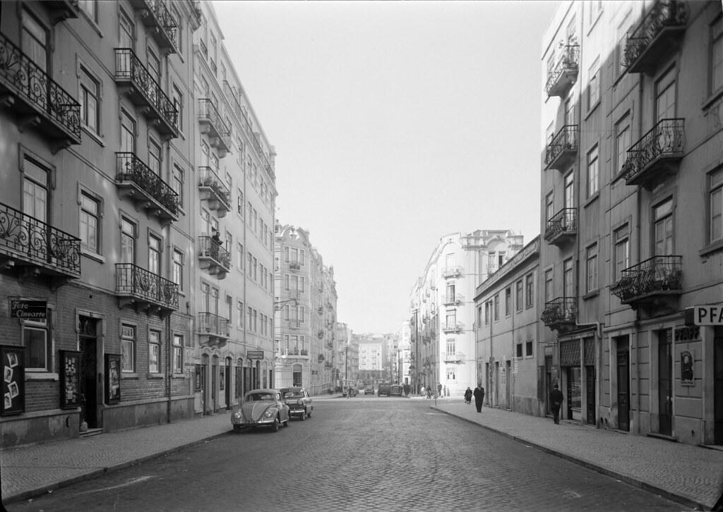 Rua José Falcão c. do n.º 9, vista de Nascente para Poente, Lisboa. Mário de Novais, c. 1960)