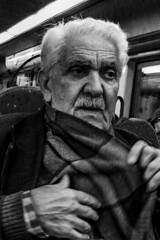 Retrato (Portrait) (A. Paulo C. M. Oliveira) Tags: snapshot gentes peoples pb pretoebranco bw blackandwhite porto portugal nikon d3000 instantâneo