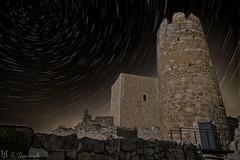 El tunel del temps, castells medievals (E.Domènech) Tags: castle castells castillo nocturna circumpolar startrails largaexposicion a7rii sel2470gm meike manfrotto