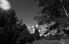 La Touraine dans mon collimateur !!! (François Tomasi) Tags: montrésor yahoo google flickr blackandwhite noiretblanc village indreetloire touraine patrimoine architecture pointdevue pointofview pov lights light lumière trees tree arbres arbre nature campagne photo photographie photography photoshop filtre digital numérique france europe reflex nikon janvier 2018