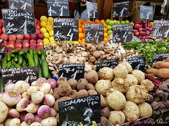 NASCHMARKT: VIENNA'S LARGEST OUTDOOR MARKET (Aly D.) Tags: viena wien vienna austria piata market mancare food lebensmittel legume gemüse vegetables telina ciuperci sfecla castraveti mere taraba
