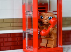 E.T Phone Home (linda_lou2) Tags: 118picturesin2018 themeno26 curiouscreatures 365the2018edition 3652018 day55365 24feb18 55365 365toyproject lego minifigure minifig et ettheextraterrestrial toy phonebooth telephone red