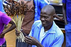 16-09-21 Uganda-Rwanda (104) Kampala R01 (Nikobo3) Tags: áfrica uganda kampala culturas color people gentes portraits retratos social mercados markets travel viajes nikon nikond800 d800 nikon7020028vrii nikobo joségarcíacobo