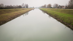 3/52 Leading lines (Contebar) Tags: leading lines water canale barbara conte
