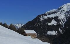 Vichères (bulbocode909) Tags: valais suisse vichères montagnes nature chalets hiver neige paysages arbres bleu ski