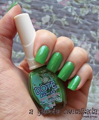 Esmalte 06 - Cinturinha Violão, da Dote. (A Garota Esmaltada) Tags: agarotaesmaltada unhas esmaltes nails nailpolish manicure cinturinhaviolão dote fitness green verde