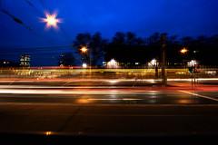 Lichtspuren (markus.bank) Tags: köln deutz morgen blauestunde himmel auto strasenbahn leuchtspuren lzb canon weitwinkel