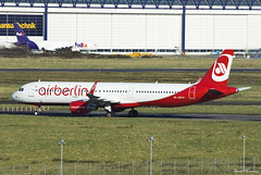 Air Berlin (Niki) A321-200 OE-LNZ (birrlad) Tags: shannon snn international airport ireland aircraft aviation airplane airplanes airline airliner airways airlines ex storage maintenance lease lessor airbus a321 a321200 a321211 oelnz niki airberlin