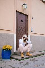 (LLOVGREEN) Tags: finland finnish turku girl lady miss beautiful pretty model modeling bikinifitness athlete jadeyolanda wellness fitness lifting female portrait portraitphoto streets city street streetwear style mediumlengthhair hairtastic wildheart woman flora flower flowers door urban building yard garden beanie beige white shirt joggerpants jogger pants timberland shoes rosa lightrosa
