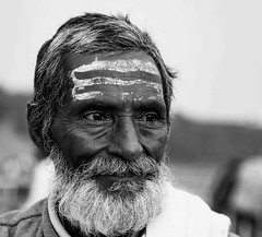 Pilgrim, Bheda ghat Marble rock falls, Jabbalpur India (senguptapulak) Tags: pilgrim hindu jabbalpur narmada river black white